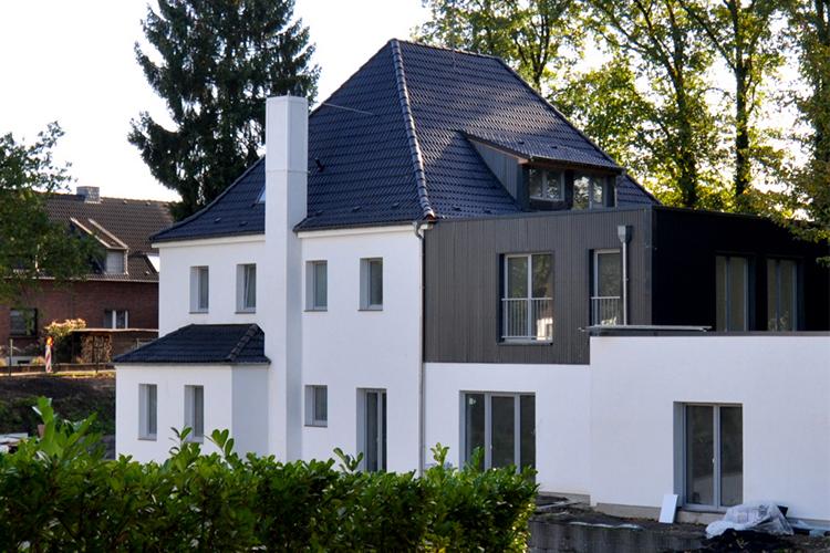 Mehrfamilienhaus Rheudt Bösl Immobilien außen