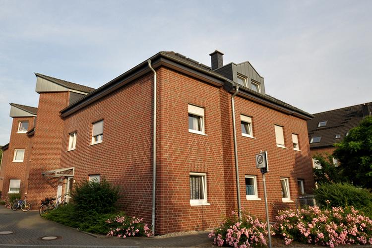 Mehrfamilienhaus Toenisvorst Bösl Immobilien Seite