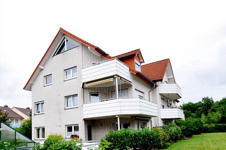 Etagenwohnung Lage Bösl Immobilien außen