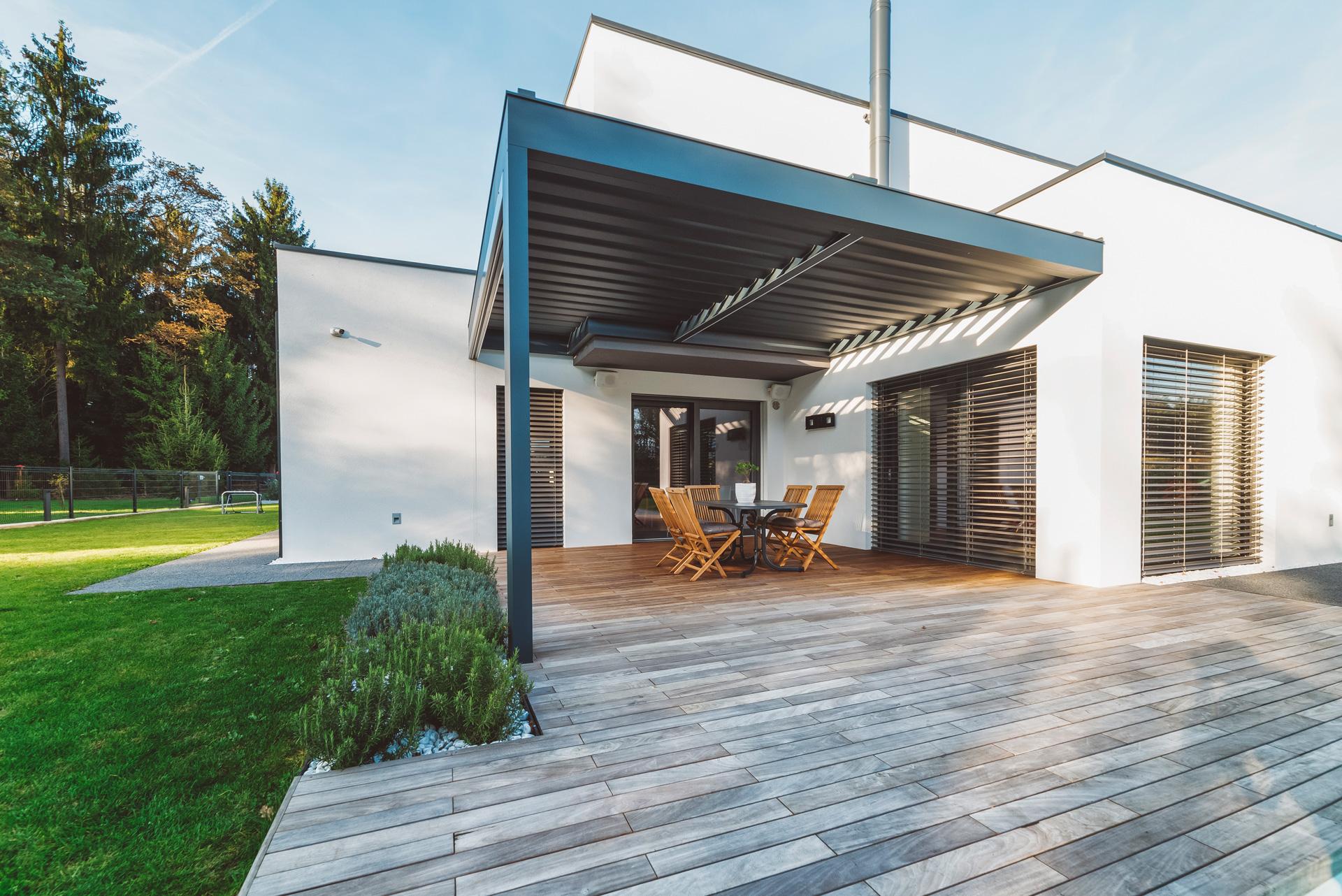 iStock Einfamilienhaus mit Terasse Bösl Immobilien